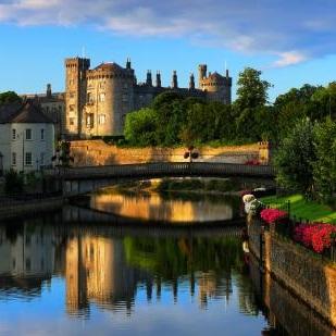 Whiskey-Business---Finest-Northern-Island-Whiskey-Tours-in-Dublin-Ireland.jpg